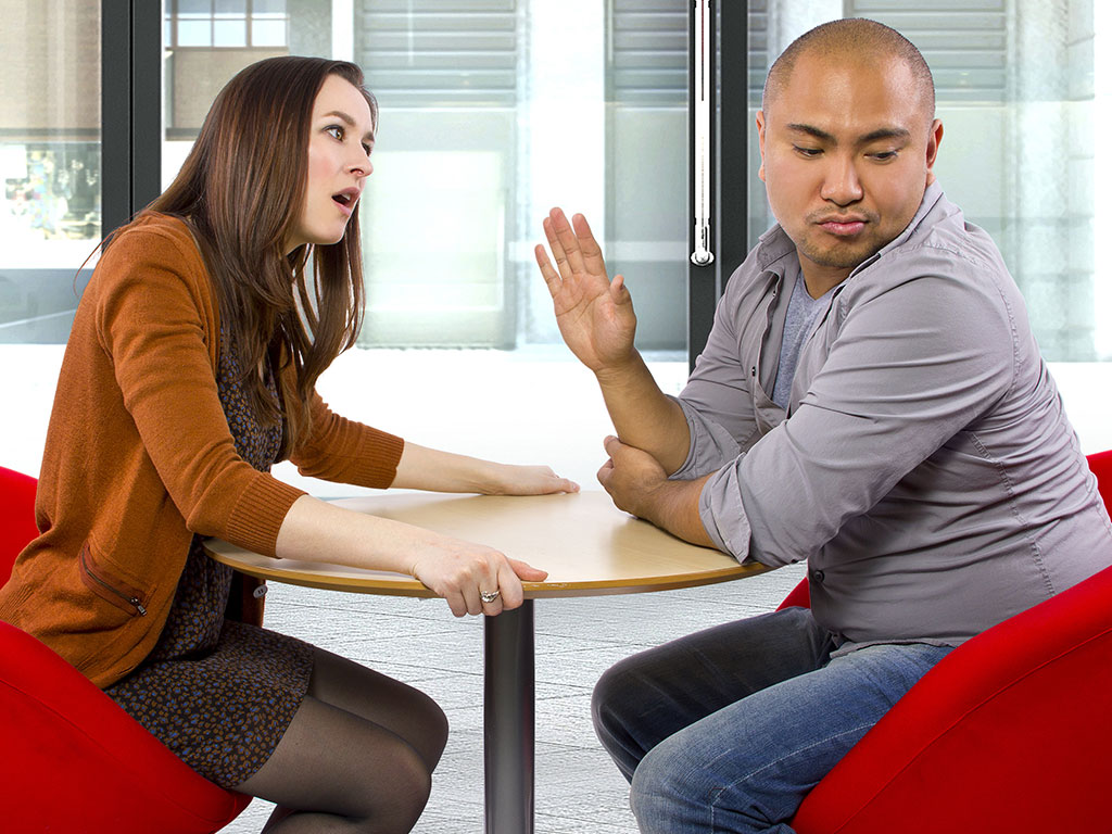 Manipulation ruins couples' date
