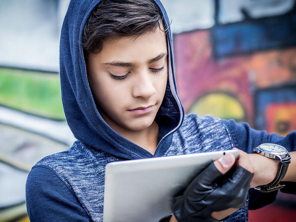 teen boy addicted to videos