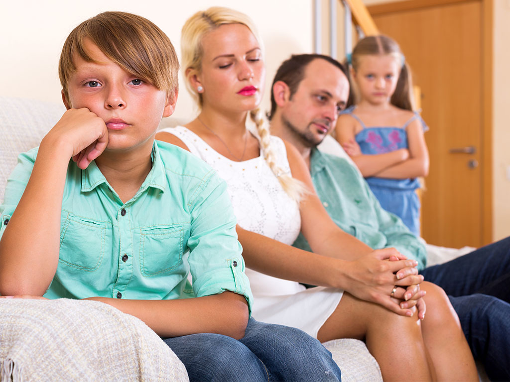 10 Signs Of Dysfunctional Families