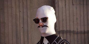 carnival-impostor-man-costume-character-face-mask-3738427