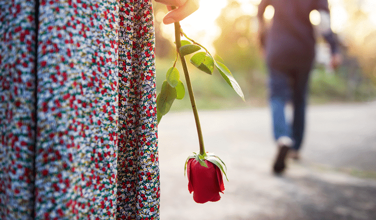 9 Red Flags You Need To Reevaluate Your Entire Relationship