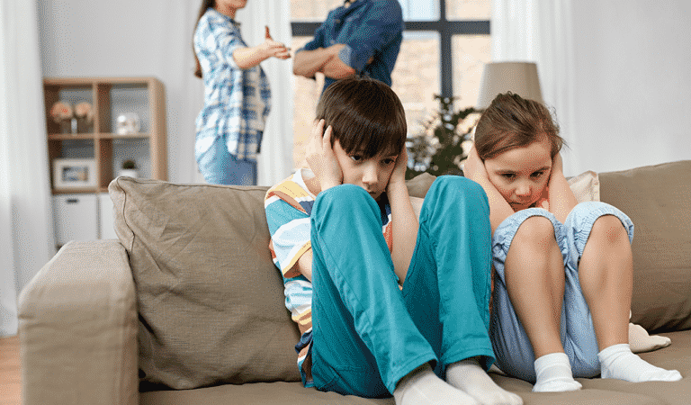 4 Signs Of A Toxic family