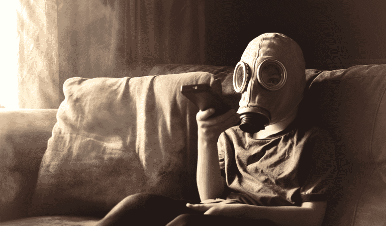 4 Warning Signs You're Living In A Toxic Home